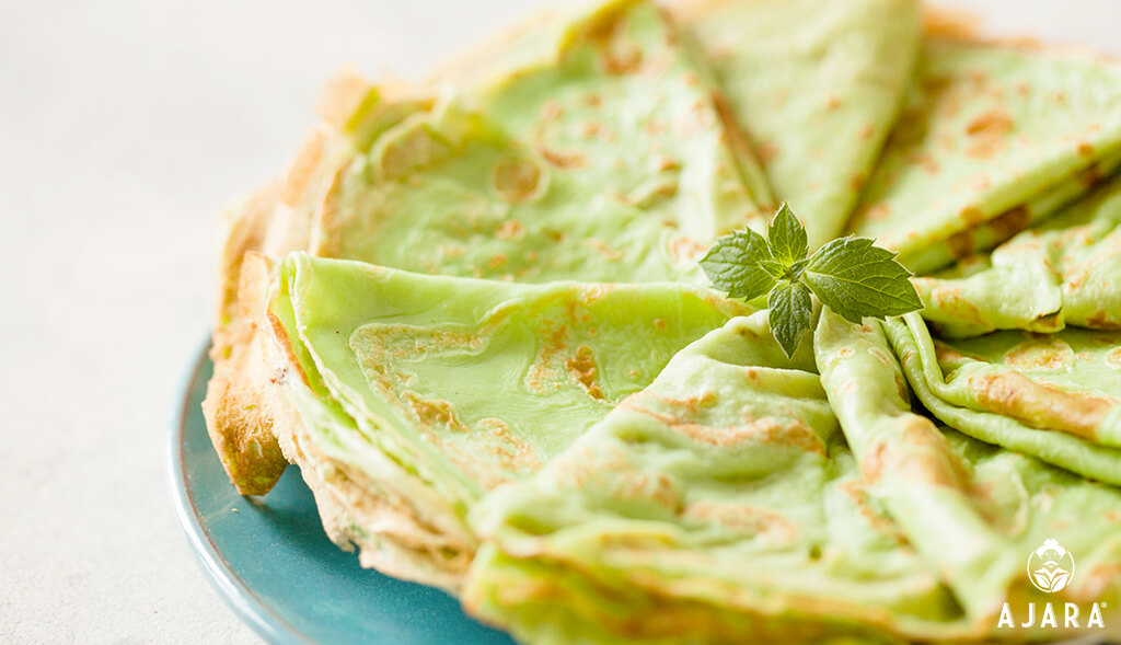 Matcha tea pancakes and coconut oil